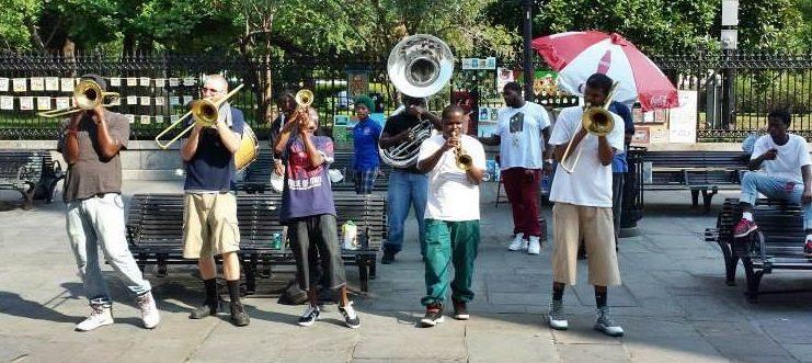Músicos na rua em New Orleans