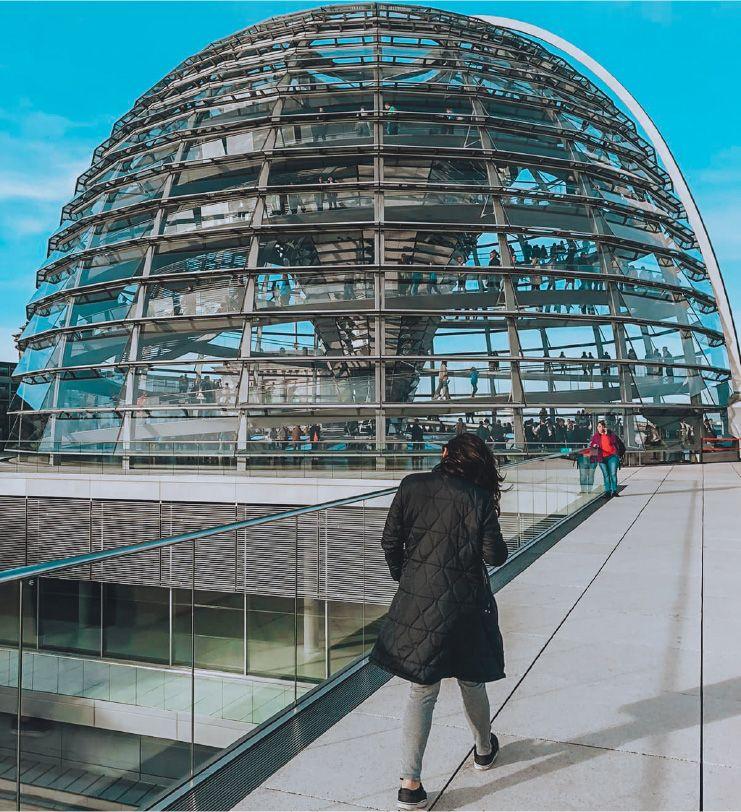 Lee no Bundestag, o parlamento Alemão.